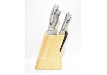 Набор ножей на подставке.